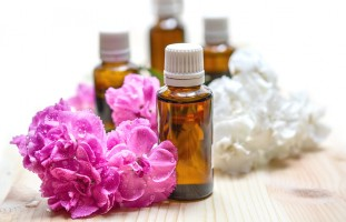 Recipes for Dry Skin Care Using Essentials Oils