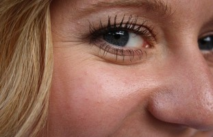 WHAT ARE WRINKLES AND WHEN DO THEY START TO POP UP?