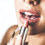 10 Common Mistakes to be avoided during makeup